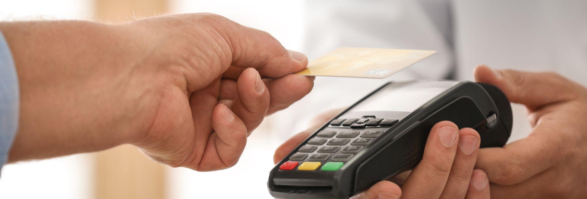 Bezpečí zaměstnanců díky bezkontaktním kartám
